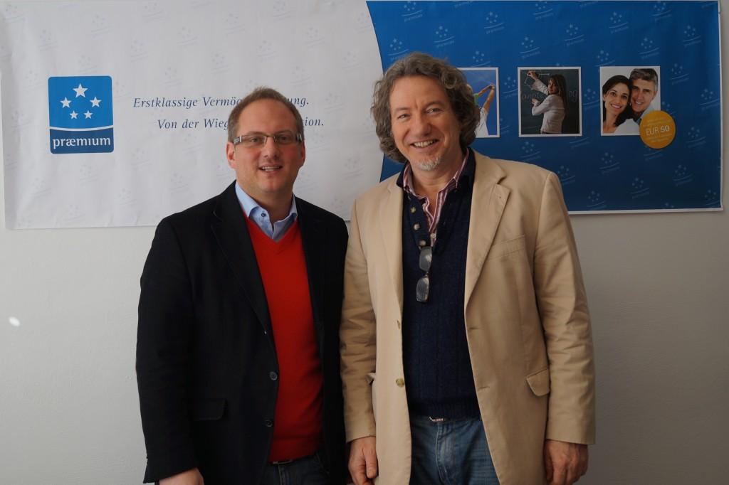 v.l.n.r.: Wolfgang Jonas, MAS , Geschäftsführer bei der Praemium GmbH, mit Hubert Paul Kuchar, Präsident bei Opera Concert for Peace.